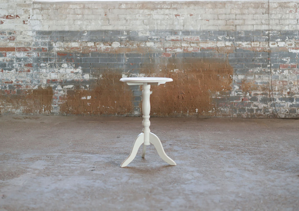 Avondale Side Table Single in ivory