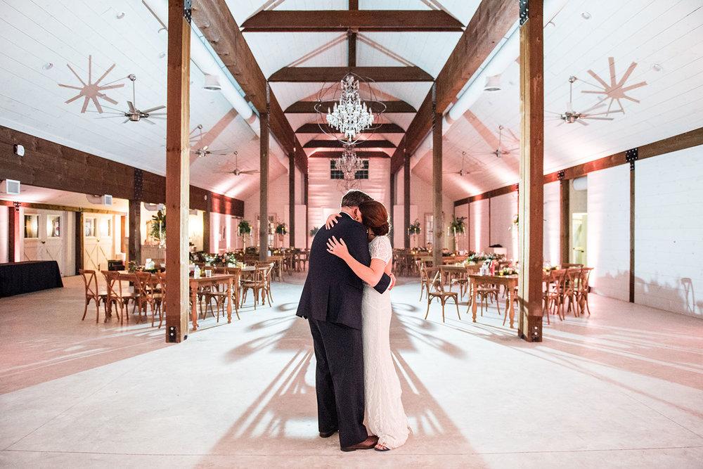Chandler_Oaks_Barn_Wedding-wedding-planner-jacksonville-florida.jpg