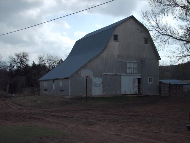 bucks-unlimited-real-estate-barn.jpg