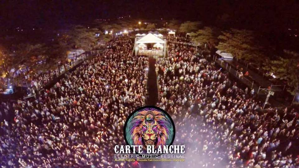 Carte-Blanche-Crowd.jpg