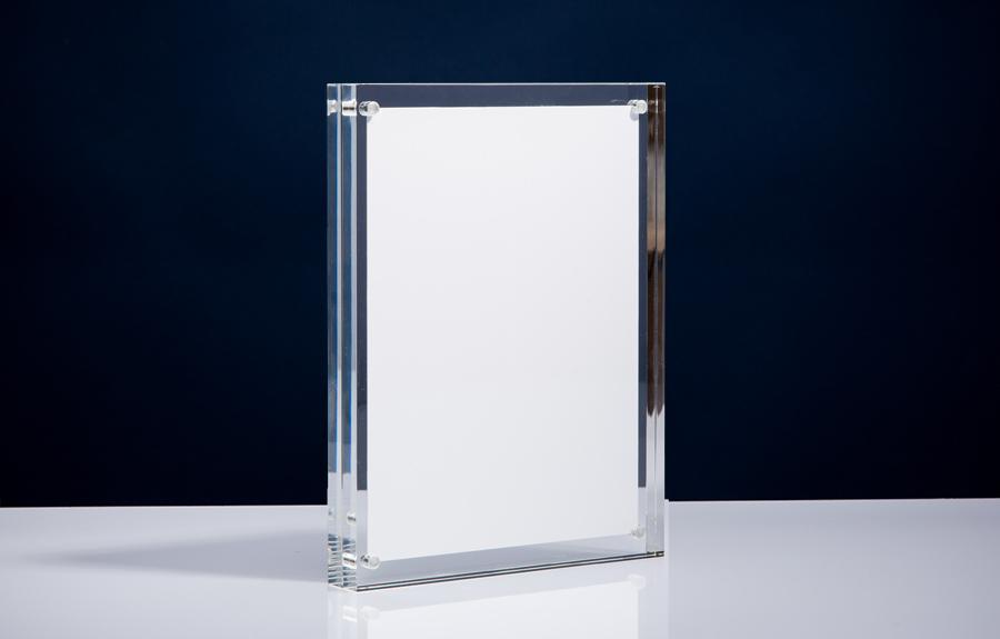 Clicker 7 | 180 x 240 x 20 mm   Afmeting tombstone: 180 x 240 x 20 mm Afmeting inlay: 160 x 222 mm  Prijs per stuk € 40,00