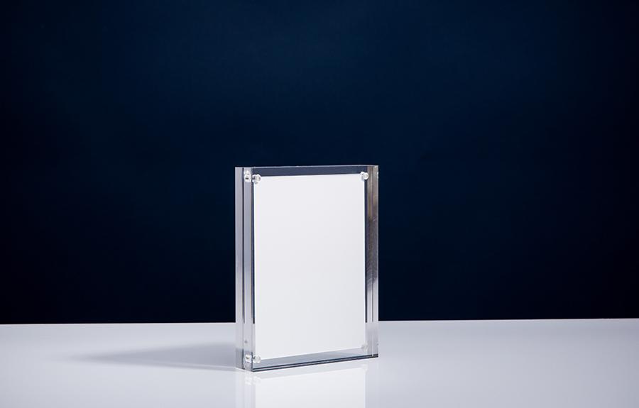 Clicker 4 | 115 x 150 x 24 mm   Afmeting tombstone: 115 x 150 x 24 mm Afmeting inlay: 100 x 135 mm  Prijs per stuk € 32,50