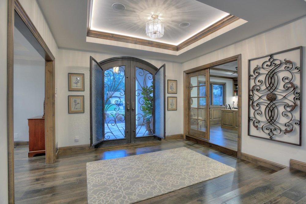 15977 Grandview Dr Monte-large-013-35-Foyer with Door Windows Open-1499x1000-72dpi.jpg