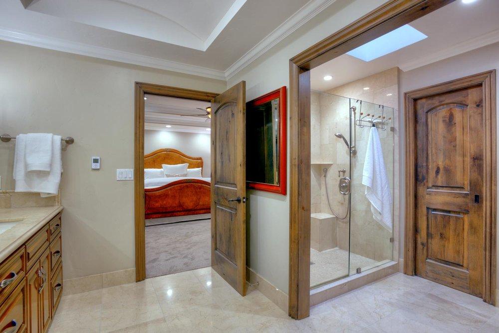 15977 Grandview Dr Monte-large-035-36-Master Bedroom Bathroom View-1500x1000-72dpi.jpg