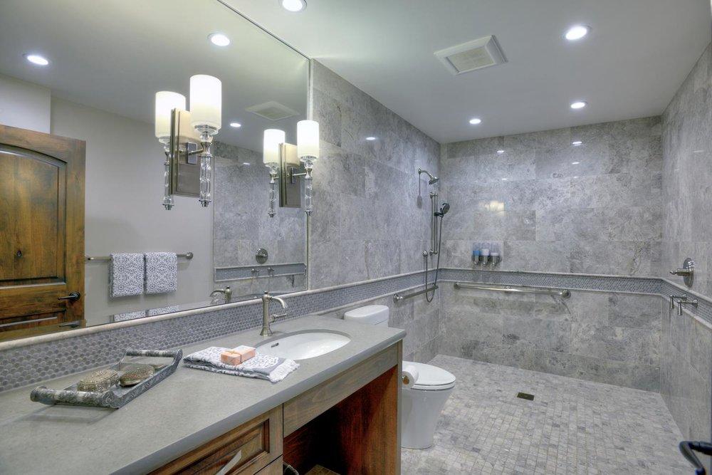 15977 Grandview Dr Monte-large-037-6-Jr Master Bedroom Bathroom-1499x1000-72dpi.jpg