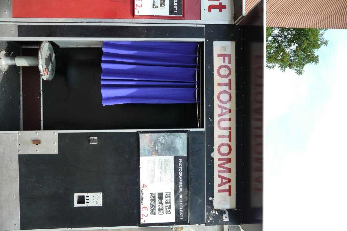 hamburg travel guide fotoautomats