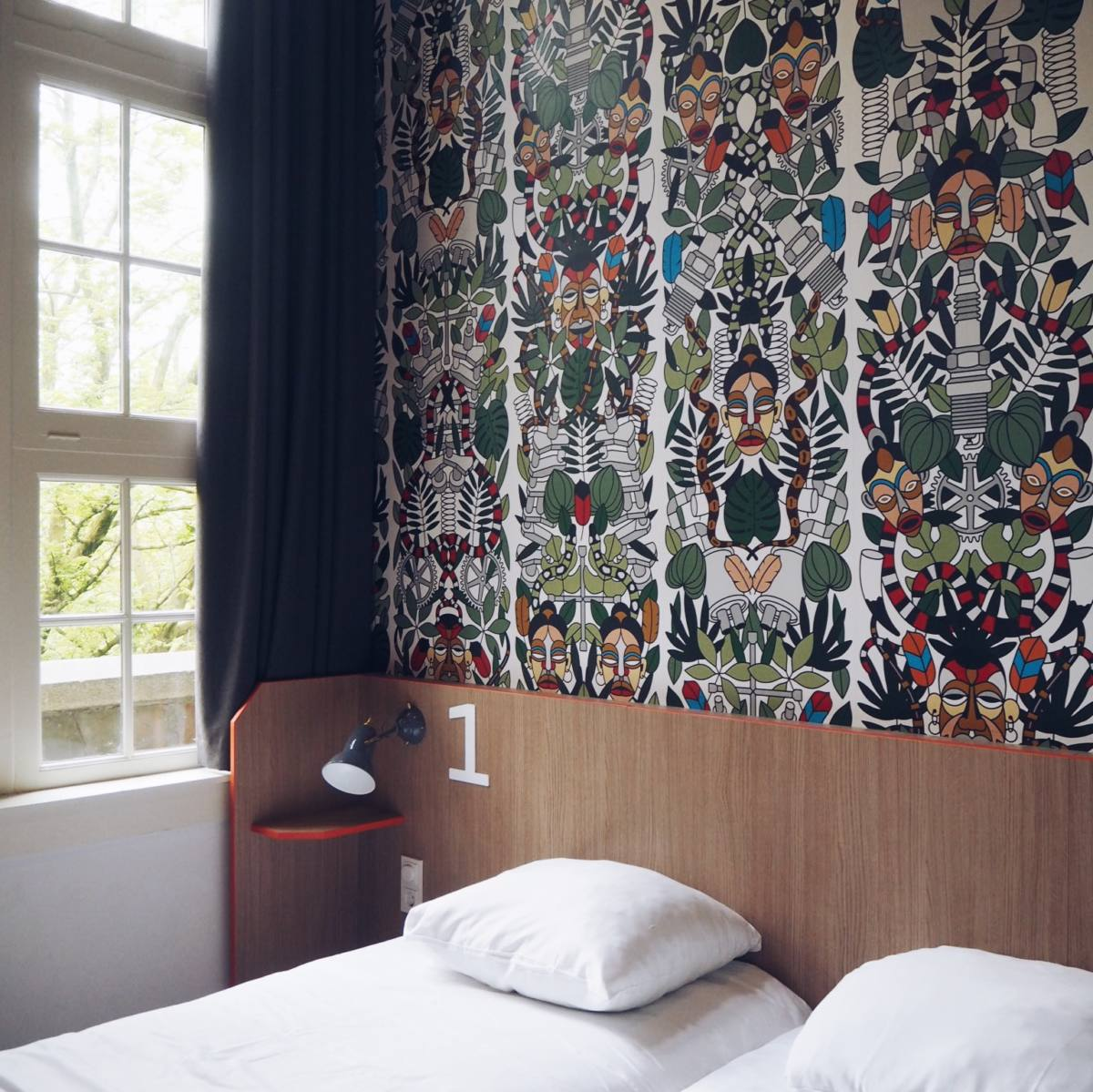 amsterdam city guide generator hostel