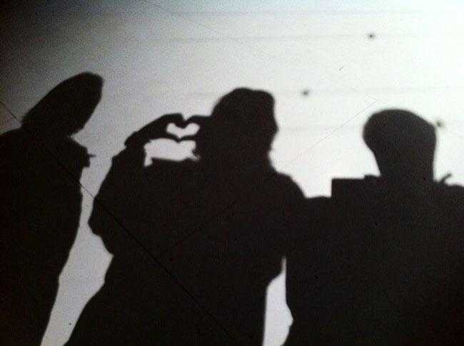 Heart-Shadow,-Jen-with-Elizabeth-Swatrz-and-Emily-Wallengren
