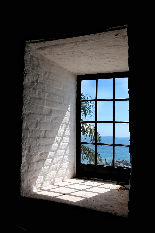 KB-lighthouse-window