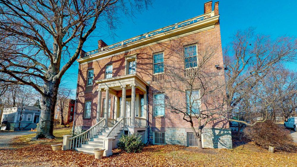 Ten-Broek-Mansion-12122018_085338.jpg