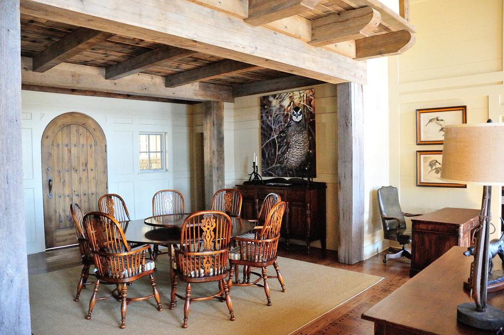 longridge_farm_lakehouse_02_lake_house_foyer_entrance_dining_room_den_balcony_timber_beam_1500.jpg