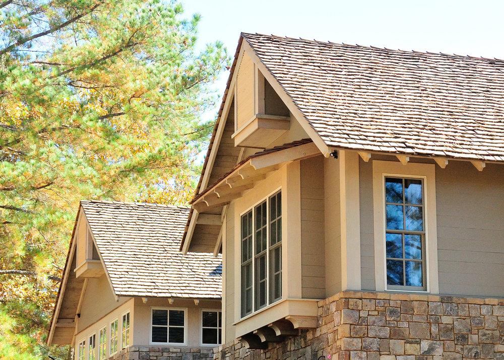 longridge_farm_lakehouse_01_lake_house_front_elevation_gables_cedar_stone_1500.jpg