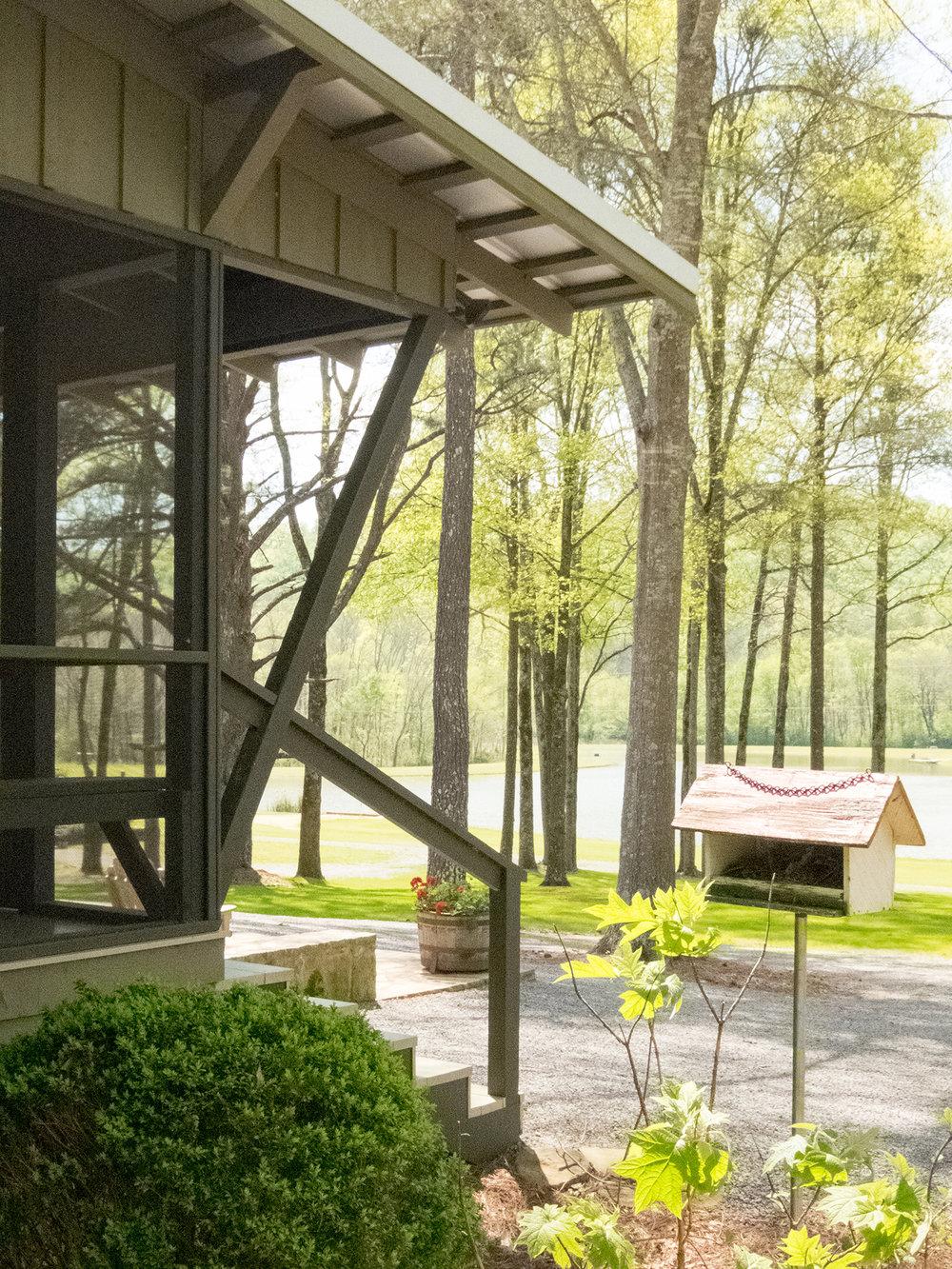 sugar_creek_farm_04_lakehouse_lake_house_screened_porch_farmhouse_tin_roof_1500.jpg