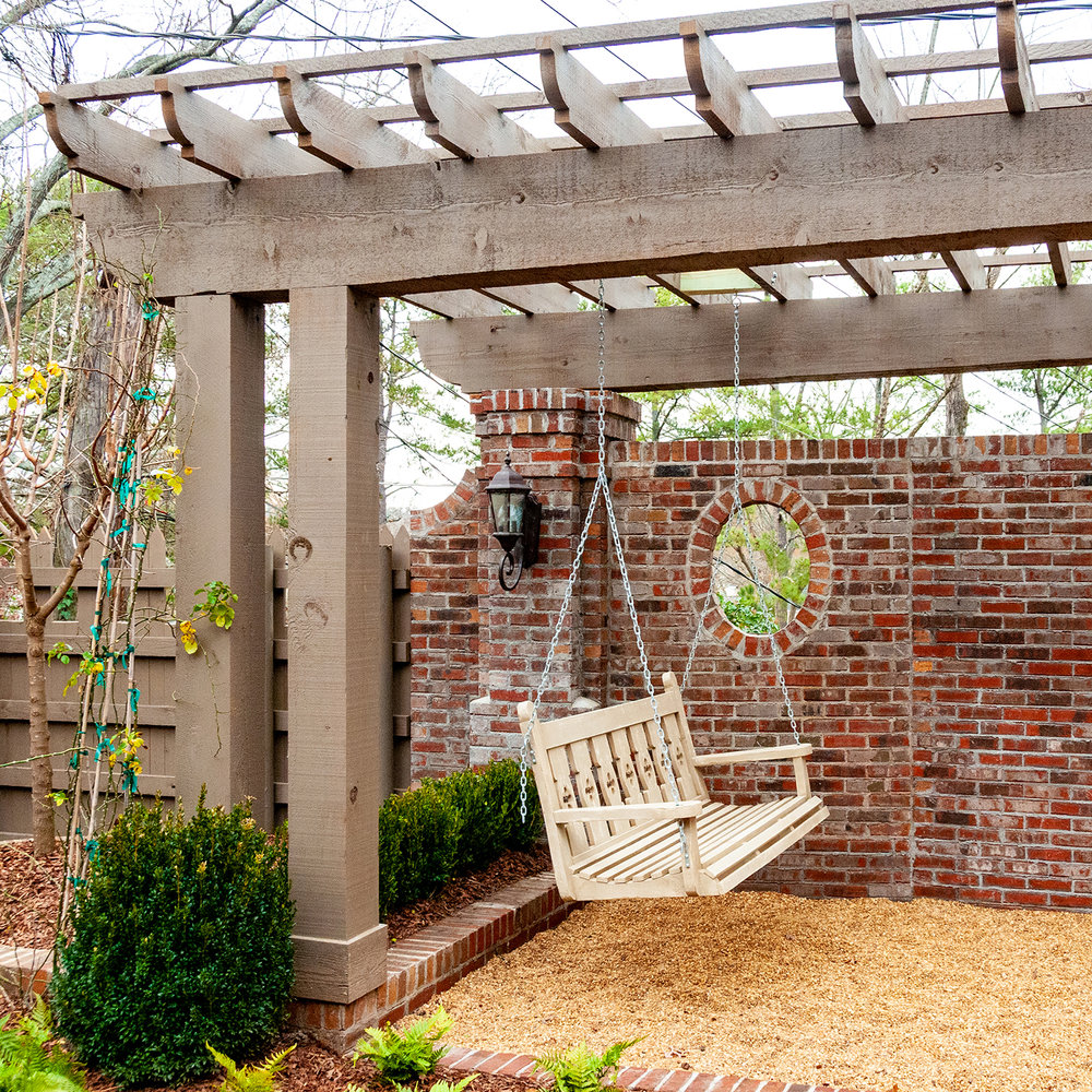 Courtyard Garden & Screened Porch -