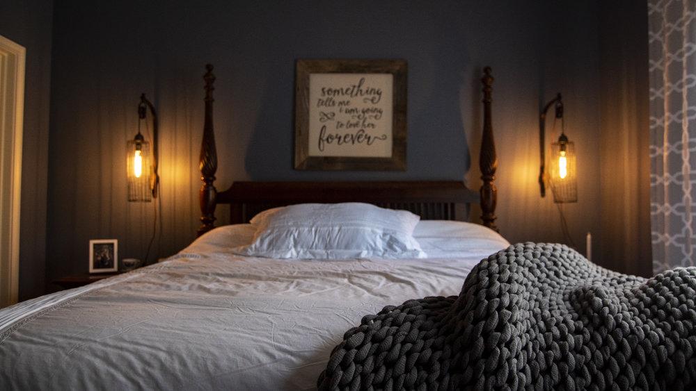 Helen- Guest bedroom.JPG