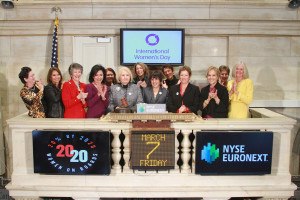 IWD NYSE ringing the bell 2IMG_0629