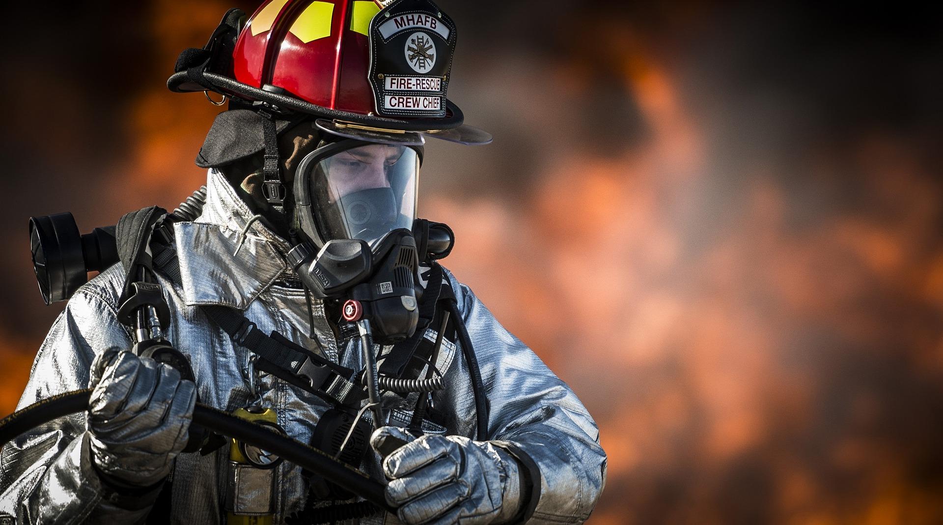 firefighter-752540_1920.jpg