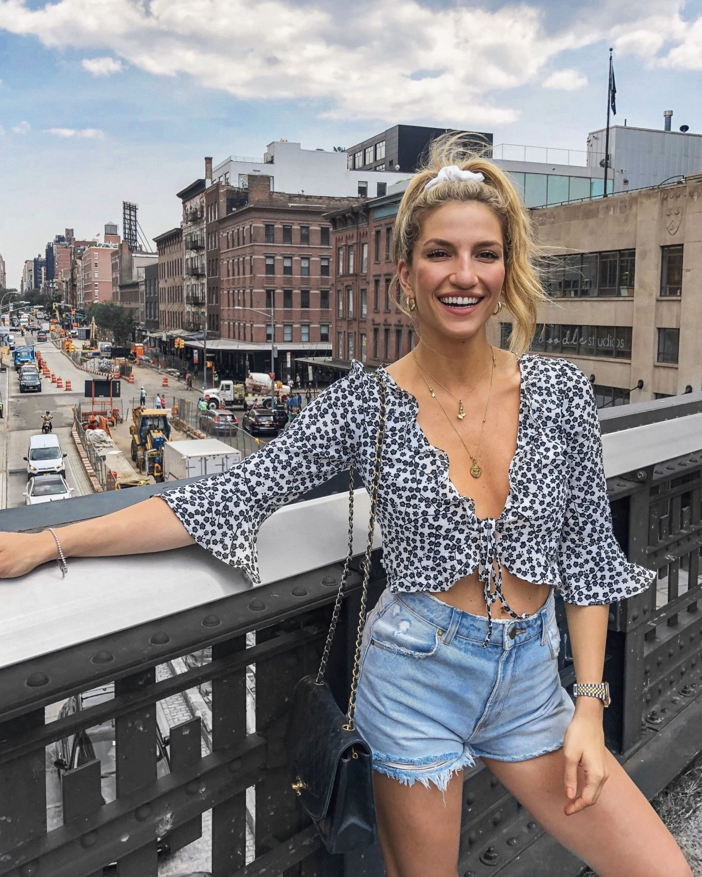 Cassandra DiMicco, Cass DiMicco, Dressed For Dreams, NYC, New York City, New York, Street Style NYC, Street Style 2018, NYC Street Style Street Style Outfits, 2018 Trends, NYC Fashion Blogger, NYC to do list, NYC to do, NYC bucket list, NYC Instagram Spots, the high line, meatpacking district, verge girl, rollas denim skirts, floral tie front top, black classic chanel, chanel sneakers,