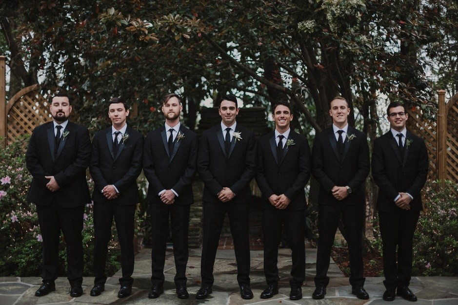 Groomsmen Outdoor.jpg