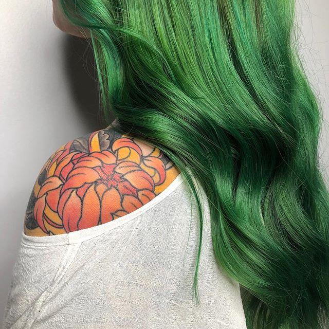 Green envy  @bridanellbeauty @vanitycorner