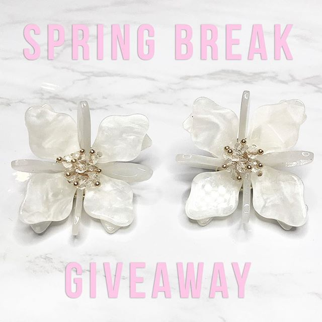 ☆ We're giving away a pair of our Sea Glass Floral Posts ☆ For your chance to win, simply tag a friend below! Each tag is an entry. Winner will be announced this Friday, March 15! 💋