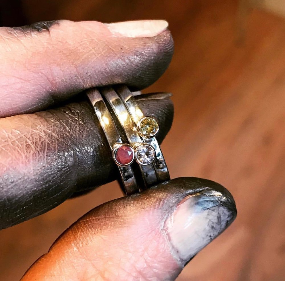 When it comes to polishing, the shinier the jewelry, the dirtier the fingers get! And it does not come out of the nicks and scrapes and nails easily, either.