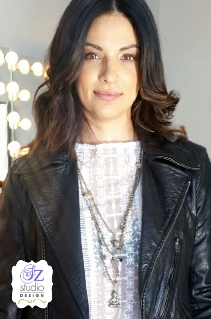Bridey wearing necklace Cropped2