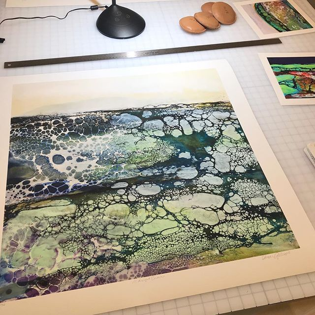 Are you an ARTIST thinking of having prints made of your original work? Maybe you're on the fence about it or don't know where to start.  Receive a PDF Checklist: Important questions to ask yourself before creating prints. Link is in the bio!  #fineartprinting #siouxfallsartists #localprintshop #angiegillespieartist #aplisfineartprinting #fineartprints #dtsiouxfalls #8thandrailroad