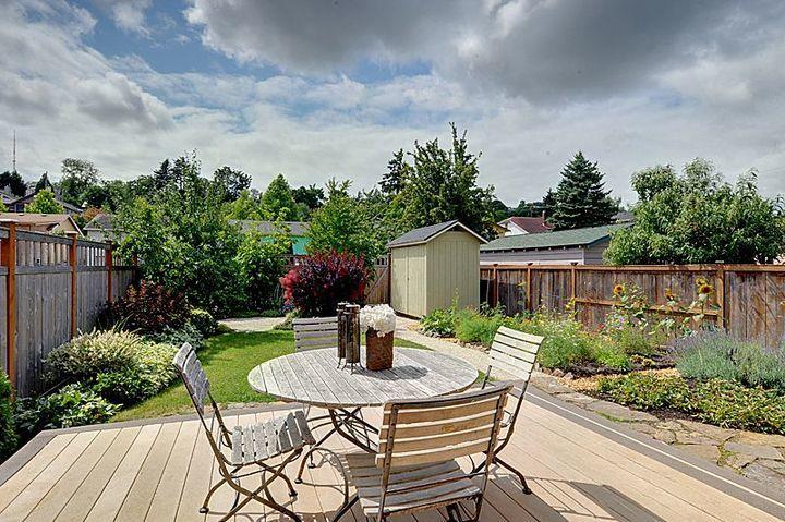 craftsman-backyard-deck.jpg