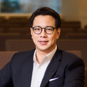 Sebastian Togelang   15 years of operational experience in digital & startups in Europe and Asia. Founder of Kejora Group. Co-Founder and investor of more than 30 international companies. Co-Founder of Ideabox incubator. Founding Investor of C88fintech and Qareer Group Asia.