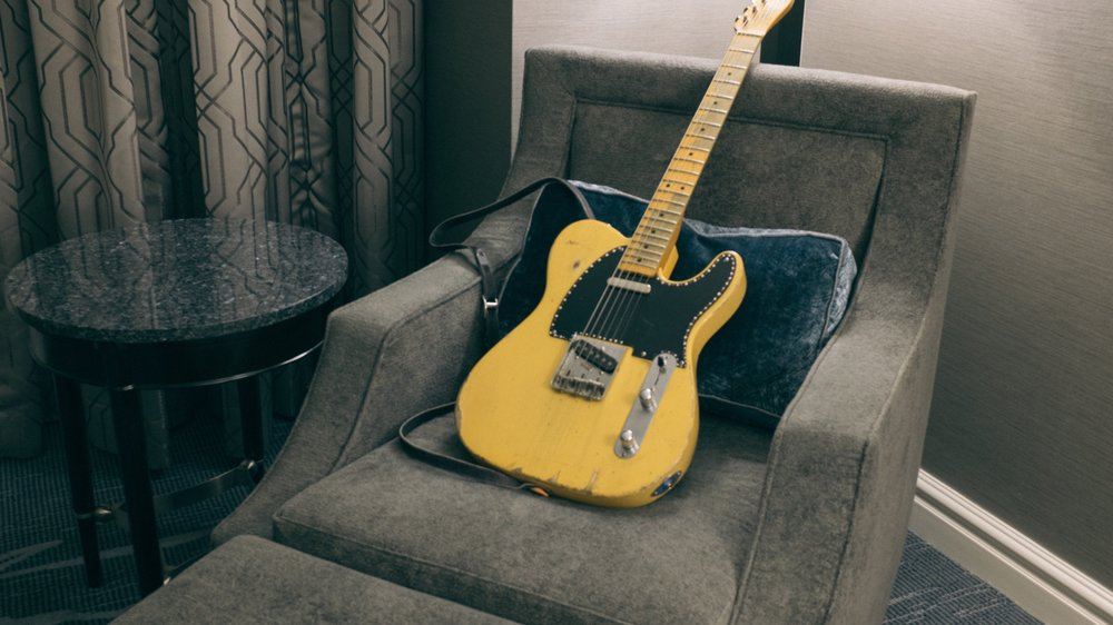 guitarhotel.jpg
