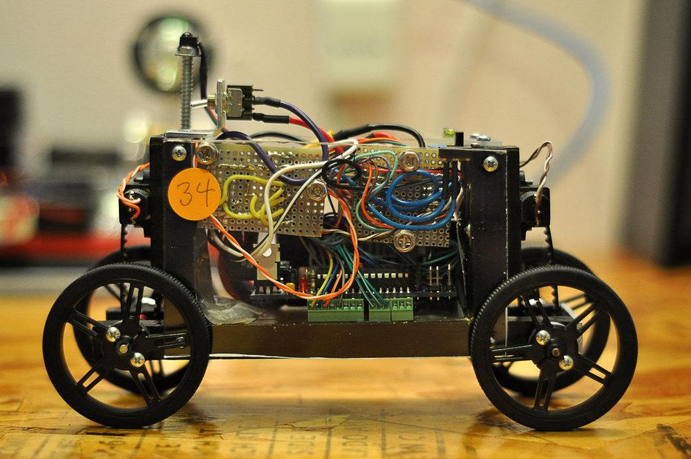 motorized-pinewood-derby-car-5.jpg
