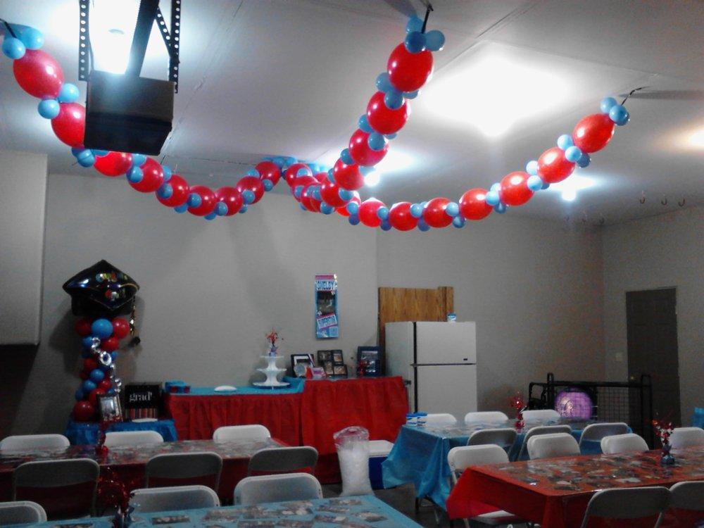 Grad Party Garage Decor.jpg