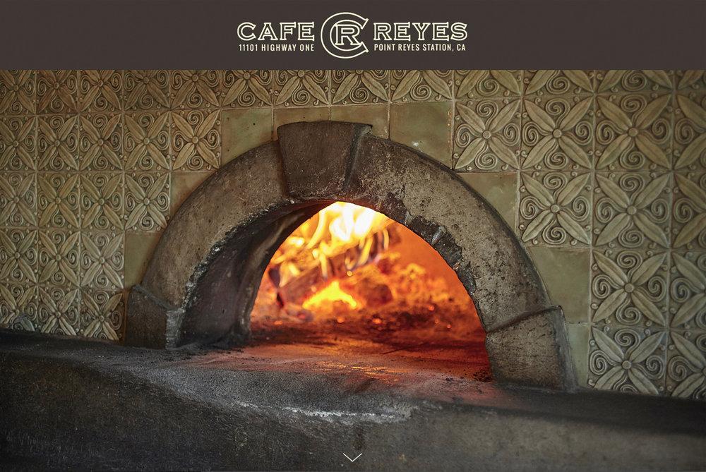 Bureau-Jules-Cafe-Reyes.jpg