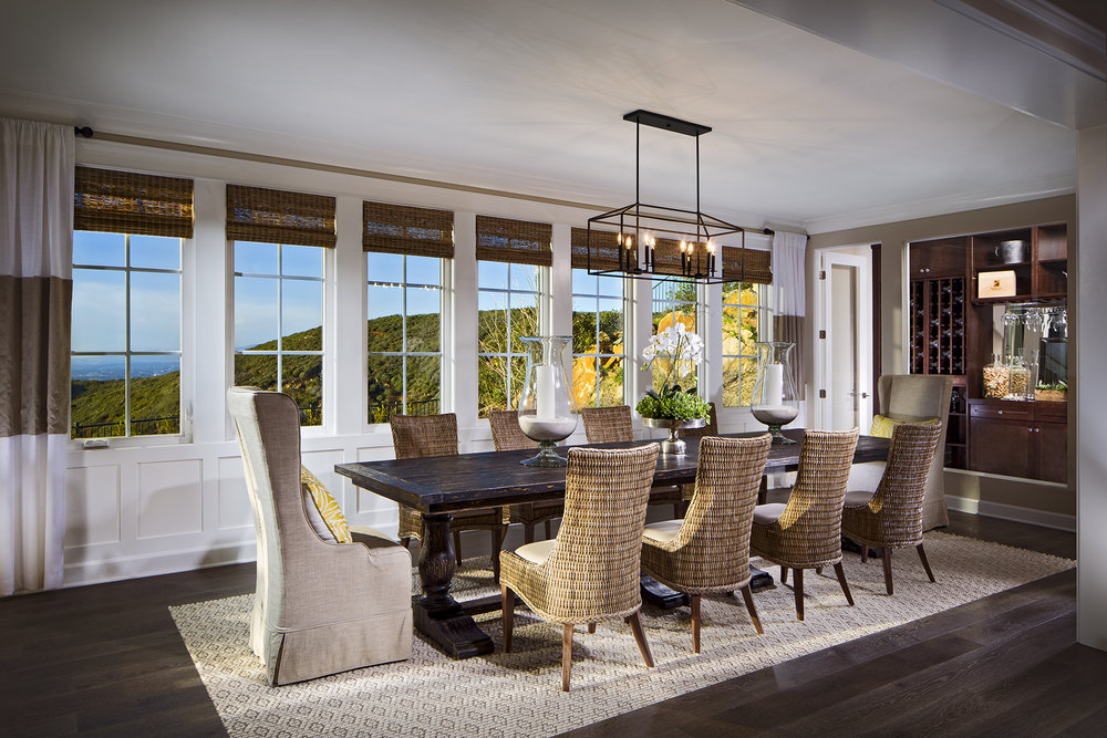1703-04_PL1_Dining_The_Estates_DavidsonCommunities_EricFiggePhotos.jpg