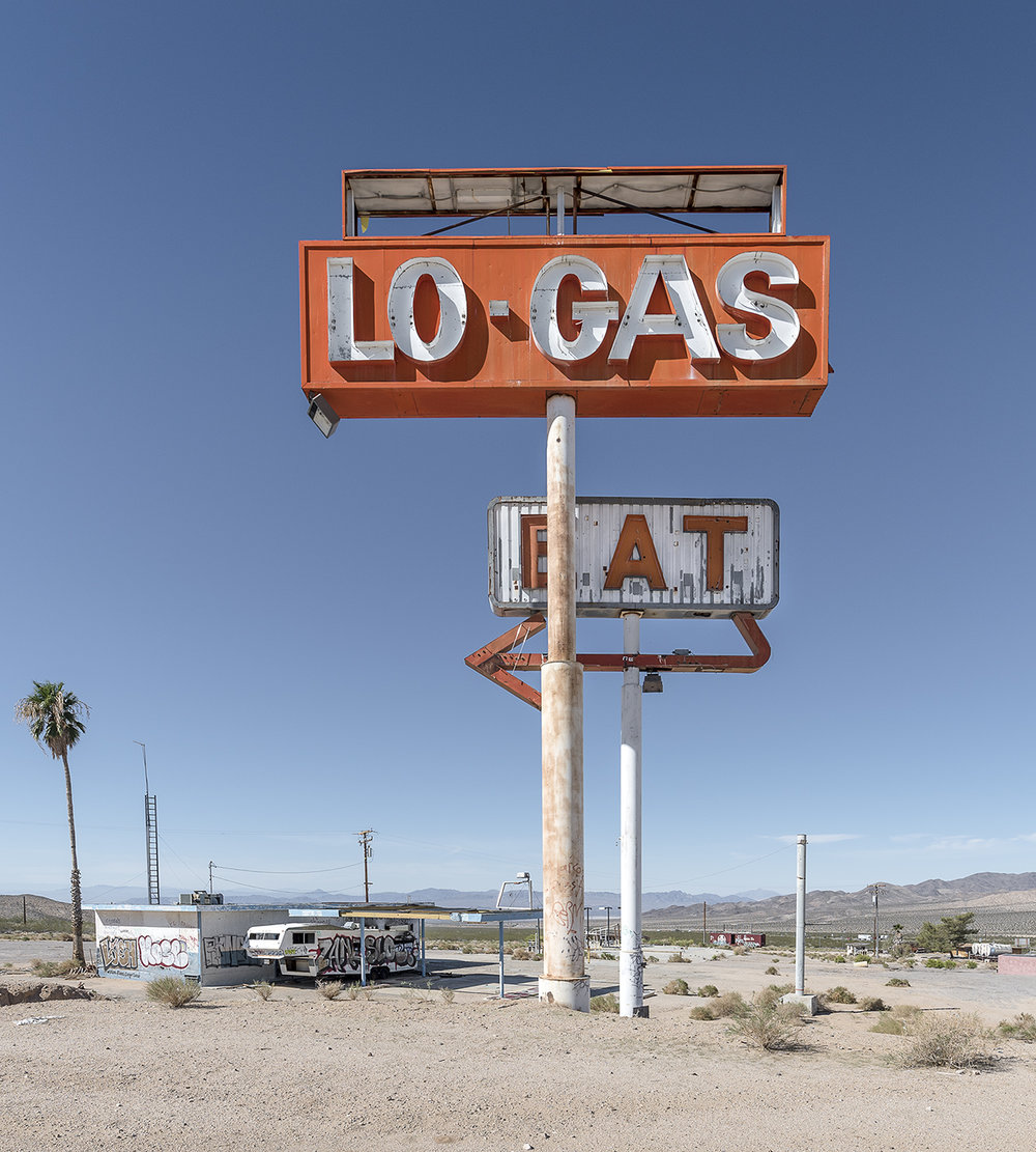 Copy of Geoffrey Goddard_LO-GAS_photo_70x67cm.jpg