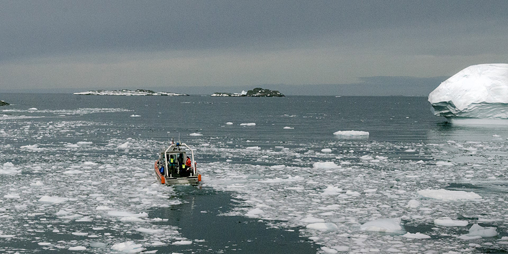 Sea Drifters - Researchers Spend A Summer At Palmer Station Studying How Warming Oceans Affect The Antarctic Food Web