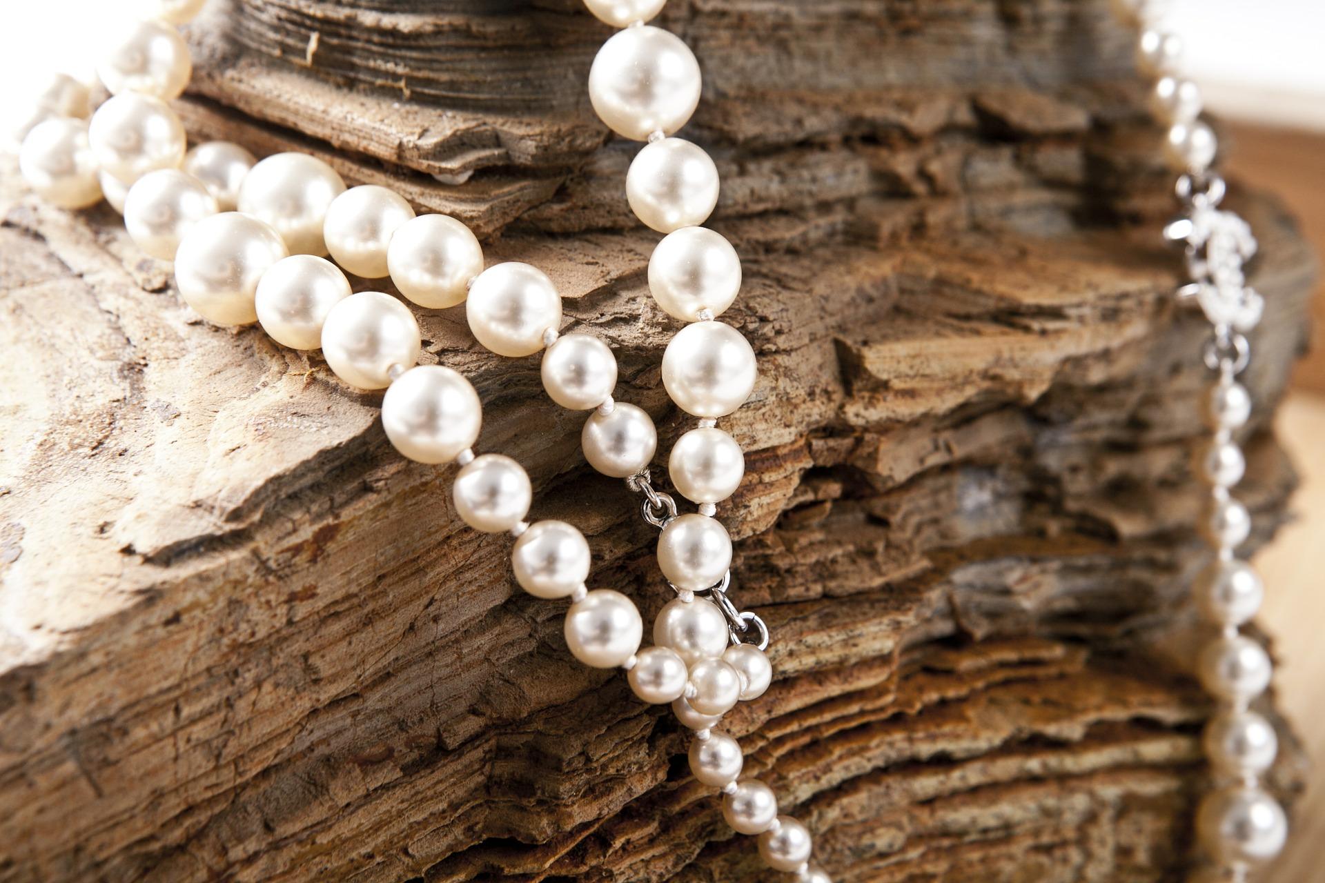 jewelry-420018_1920 pixabay