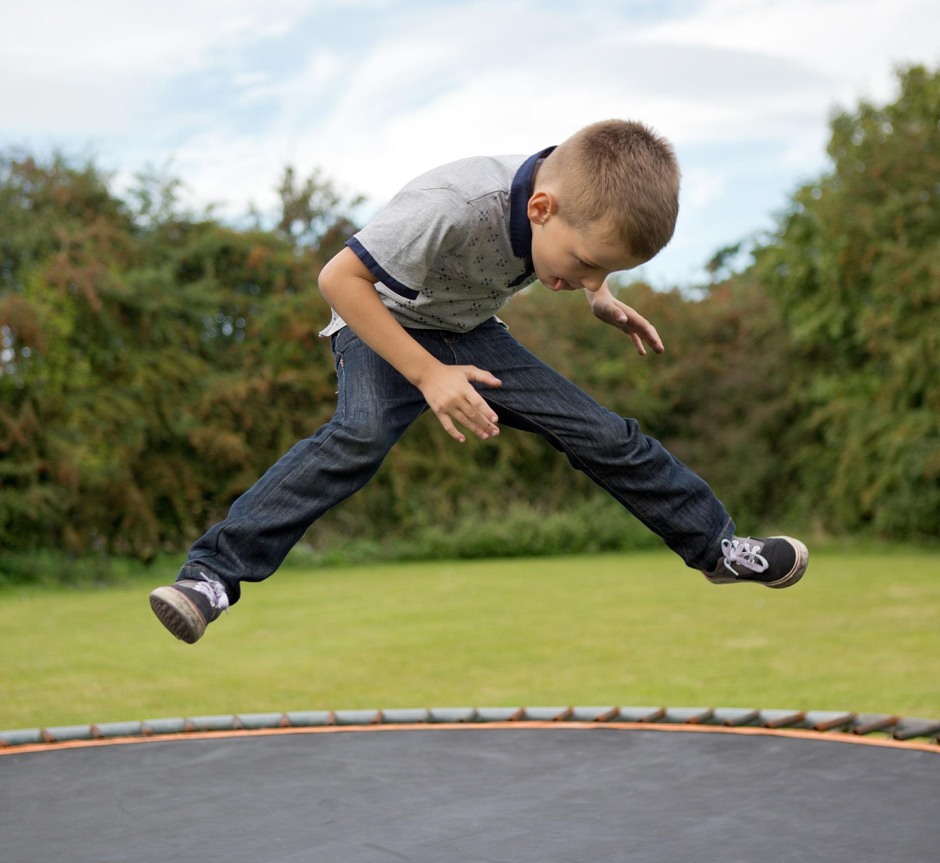 trampoline-436544_1920