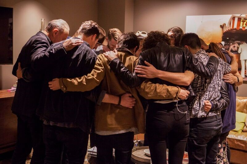team-praying