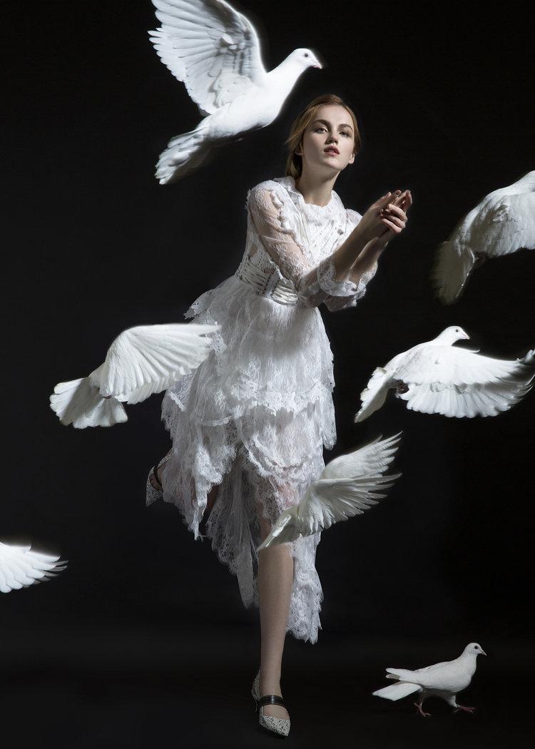 Cecilia De Medeiros Fashion Stylist Based In London