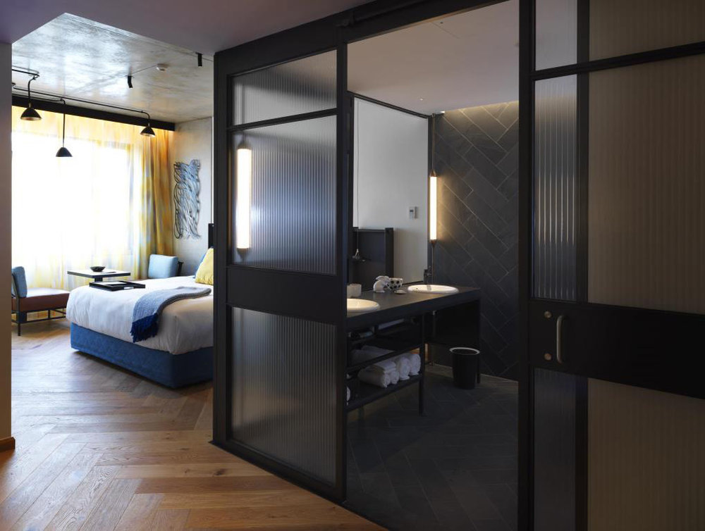 jeb_custom_projects_qt_hotel_melbourne-01.jpg