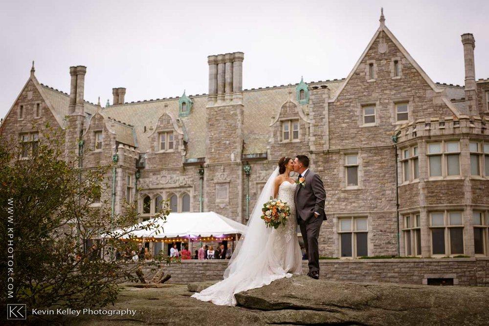 Branford-House-wedding-groton-ct-uconn-2010.jpg