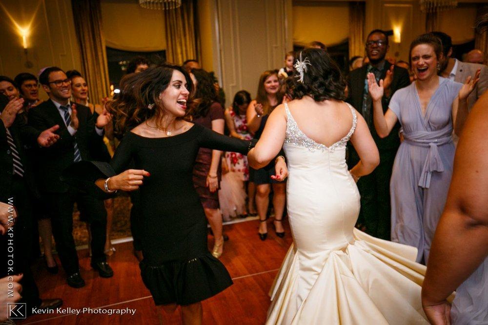 Delamar-hotel-west-hartford-wedding-2101.jpg