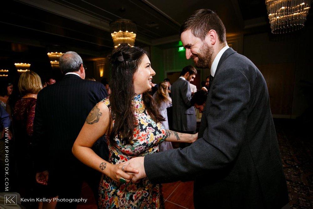 Delamar-hotel-west-hartford-wedding-2108.jpg