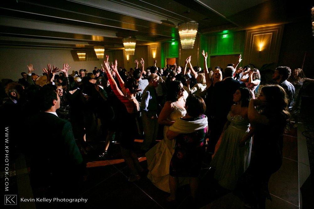 Delamar-hotel-west-hartford-wedding-2109.jpg