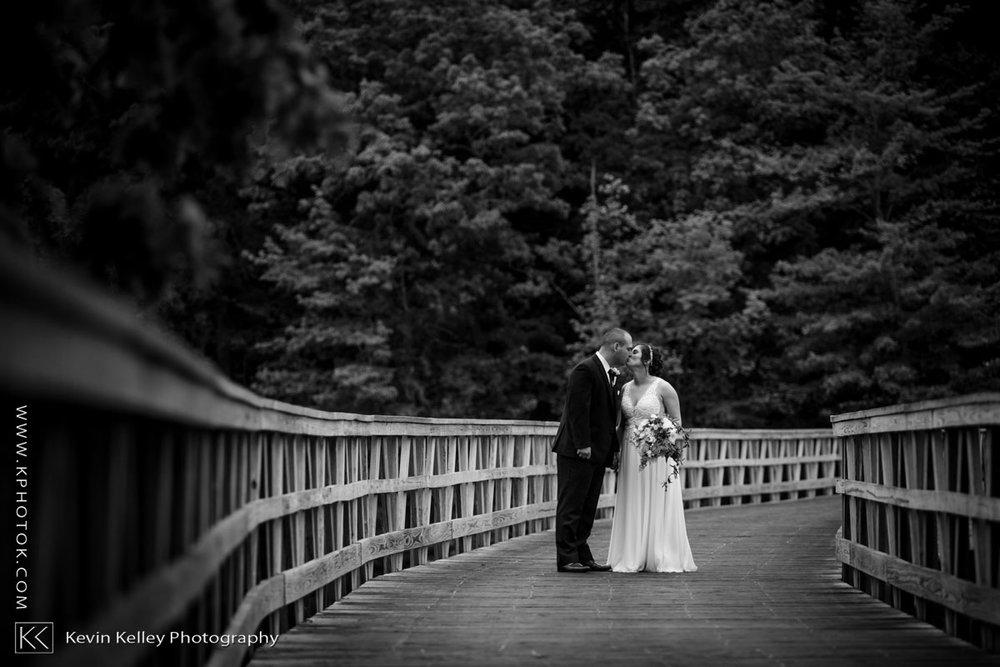 Lake-of-Isles-wedding-2021.jpg