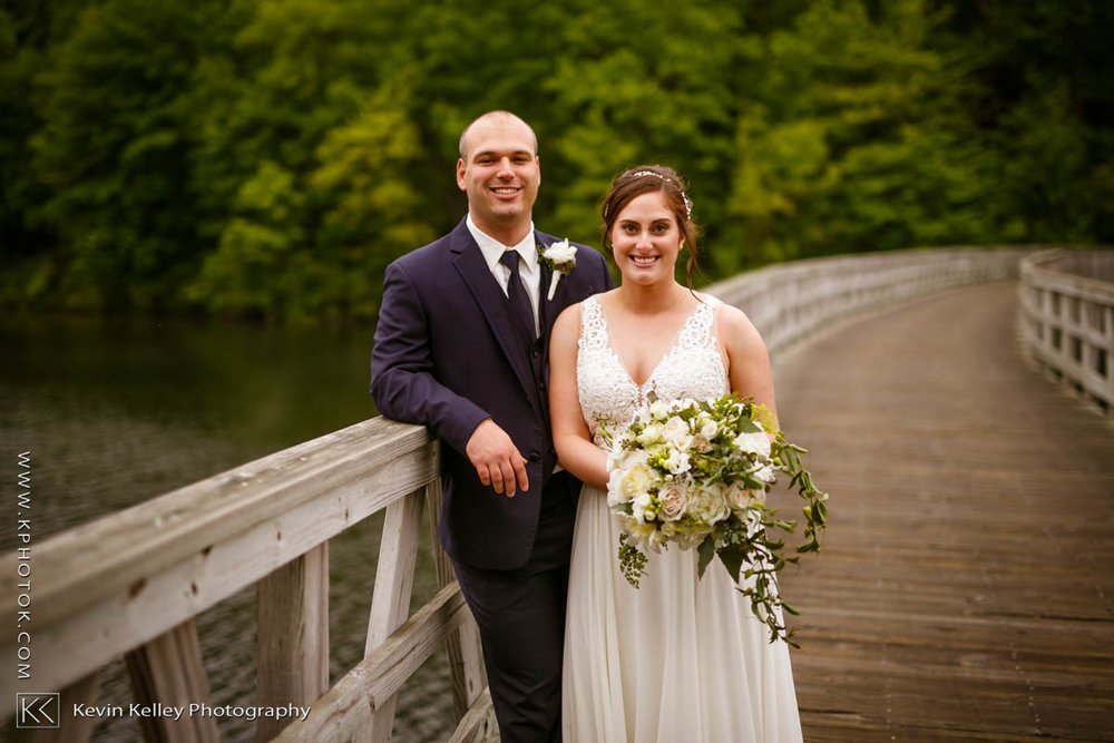 Lake-of-Isles-wedding-Emily-Mike-2019.jpg
