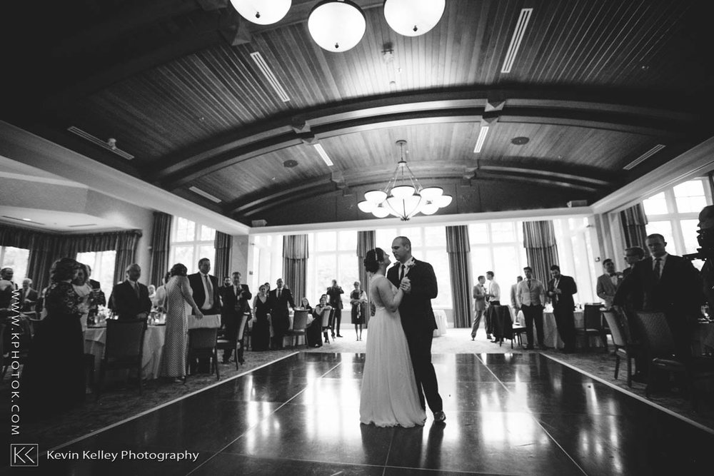 Lake-of-Isles-wedding-Emily-Mike-2022.jpg