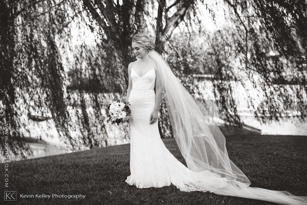 barns-wesleyan-wedding-10.jpg